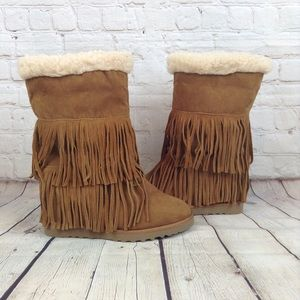 Madden Girl tan suede fringed pull on boots